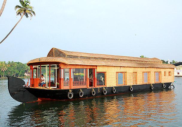 5 bedroom houseboat alleppey